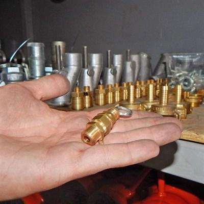 Клапан предохранительного компрессора штукатурной станции - фото 4896